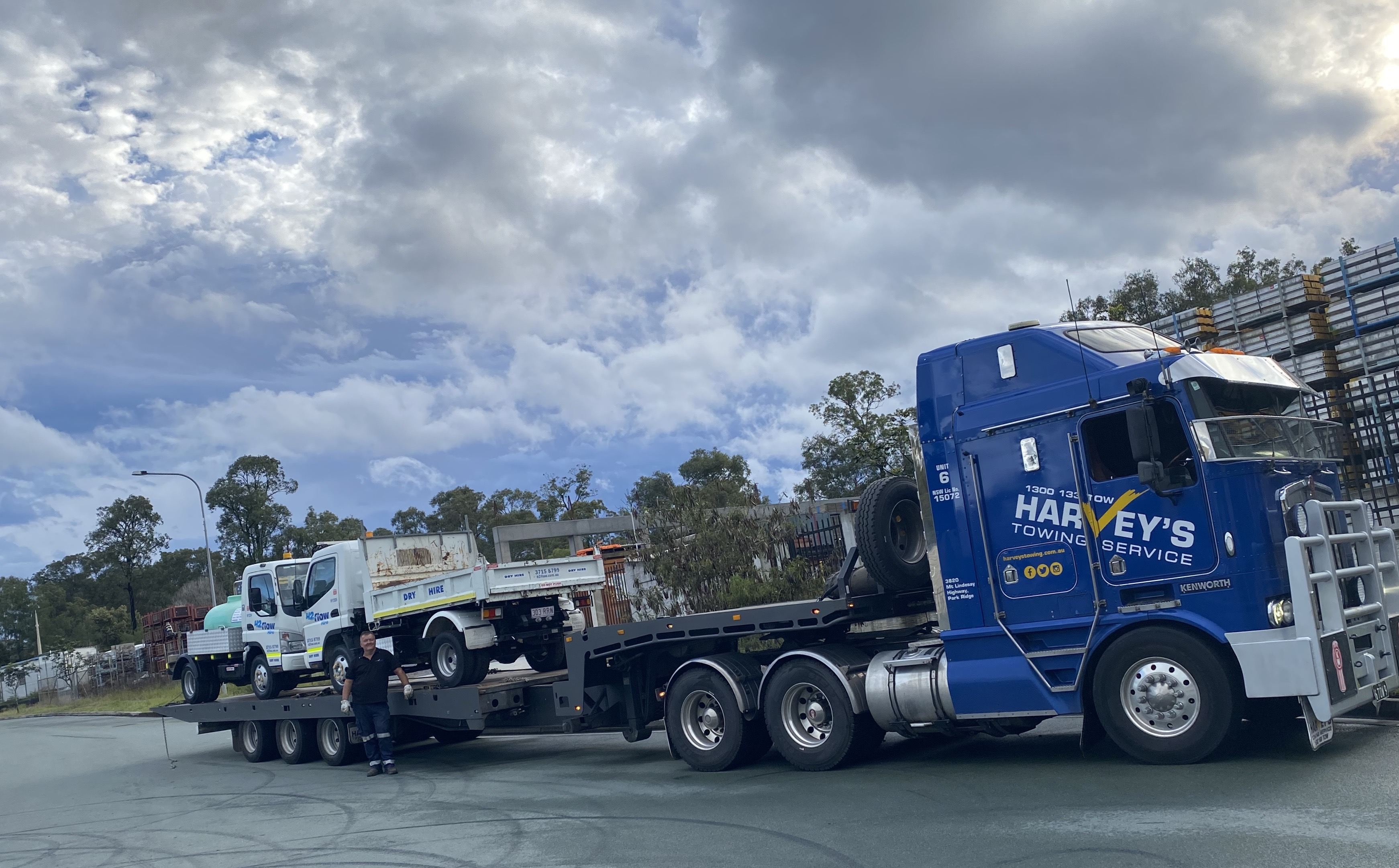 H2flow Hire Water Trucks loaded onto Harvey's Towing tow truck.