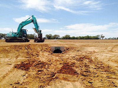 Lawton-Earth-Works-Jerilderie-excavator-drainage