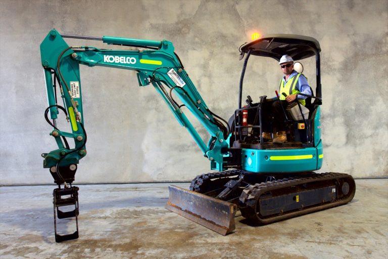 2.8 Tonne Excavator Kobelco SK28SR-6_1