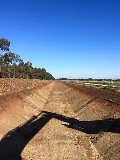 Lawton-Earth-Works-Gallery-Jerilderie-drainage-construction