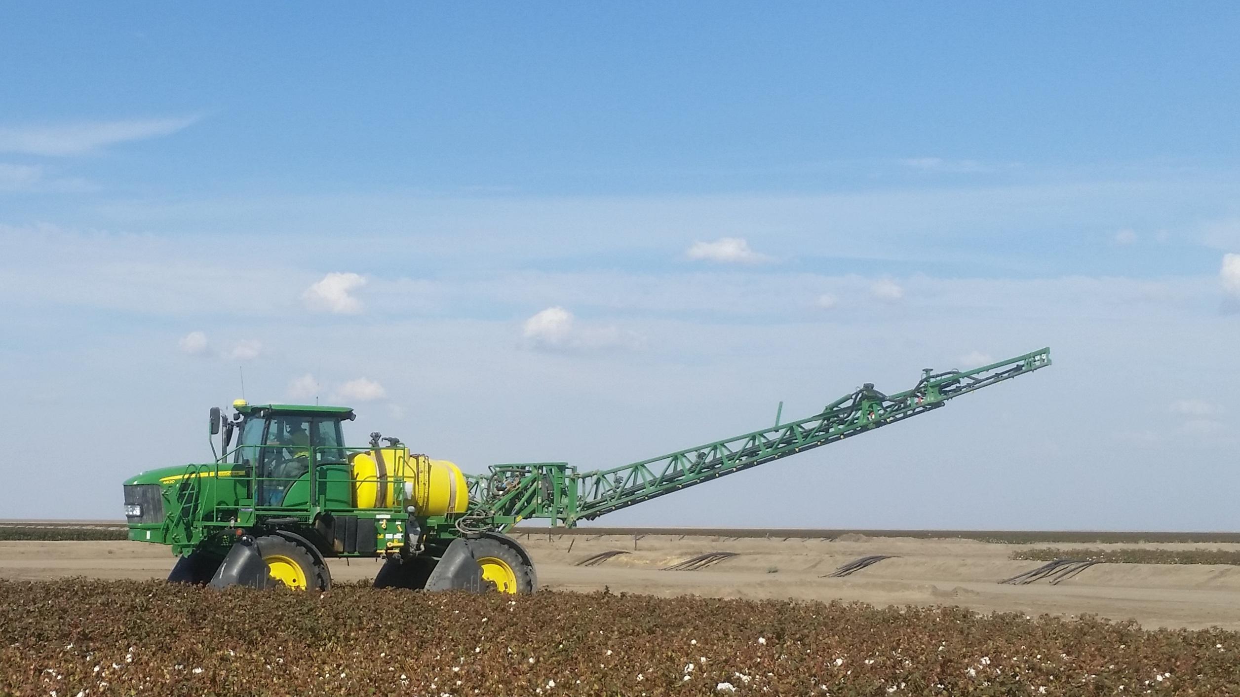 Radeski-Earthmoving-tractor-fleet-Hay