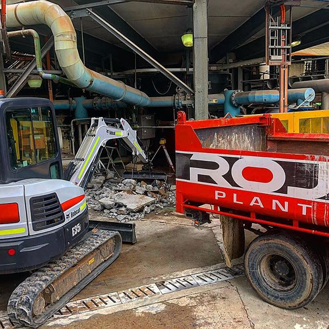 Rojo Plant Hire - Hitachi Track Mounted Excavator for hire