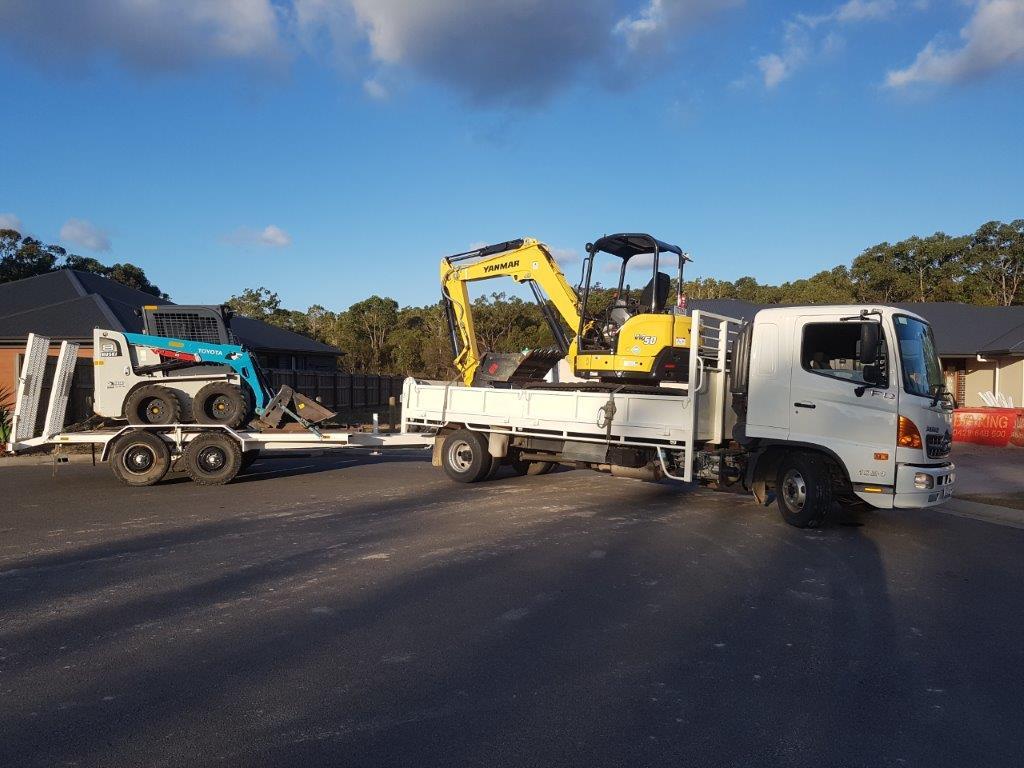 Wombat Hire excavator hire Sunshine Coast, Maryborough, Gympie