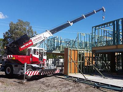 16T City Crane for hire Sunshine Coast