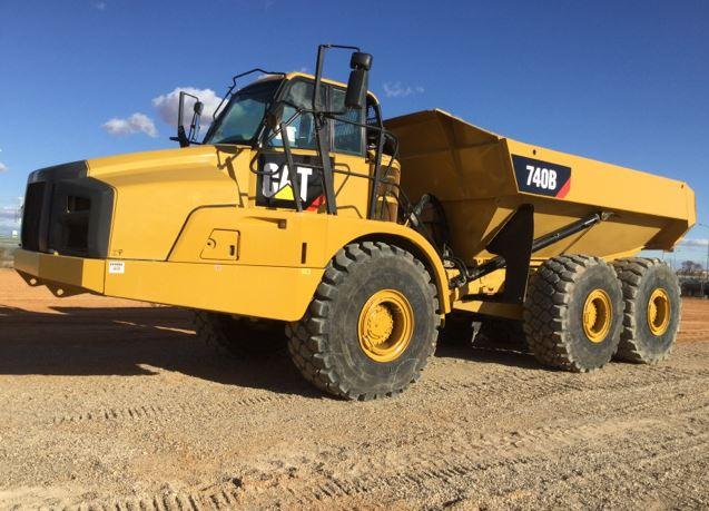 2014 Caterpillar 740 articulated dump trucks