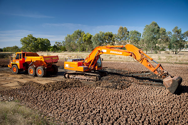 A-P-Delaney-Civil-Construction-Dump-Truck-excavator-hire-albury