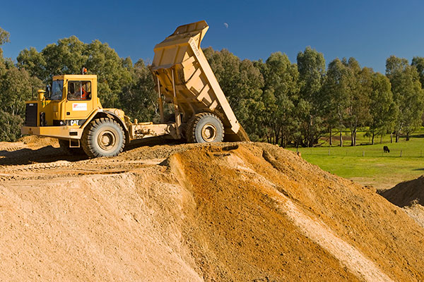 A-P-Delaney-Dump-Truck-Dumping-load-dump-truck-hire-albury