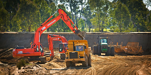 A-P-Delaney-Fleet-Tractor-Dump-Truck-Excavator-Hire-civil-construction-albury
