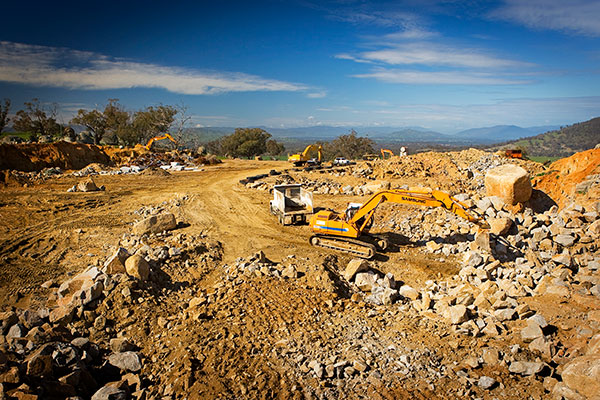 A-P-Delaney-On-Site-Fleet-Excavator-Dump-Truck-Hire-quarrying-albury