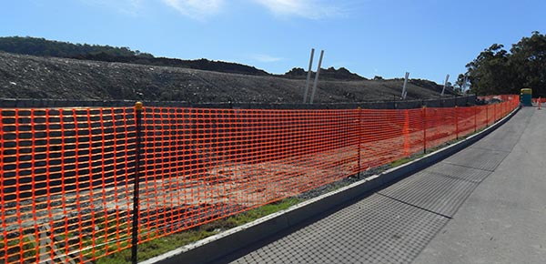 Advanced-Group-Environmental-Protection-Products-Safety-Fence-along-road