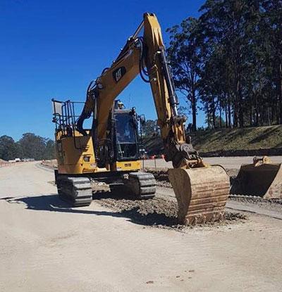 Advanced-Plant-Hire-CAT-Excavator-with-interchangable-bucket-Kempsey