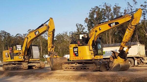Advanced-Plant-Hire-CAT-Excavators-crushing-and-screening-kempsey
