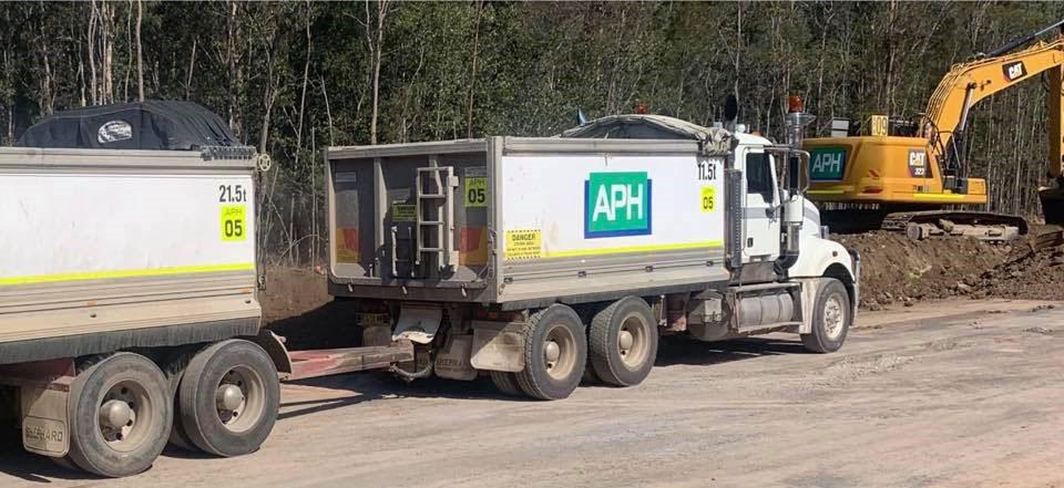 Advanced-Plant-Hire-Excavator-Truck-adn-Dog-subdivision-contractor-kempsey