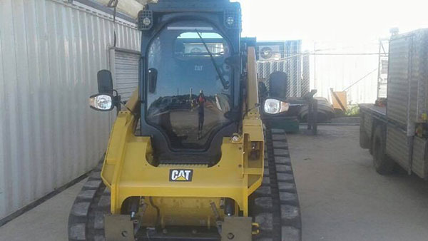 Advanced-Plant-Hire-Skidsteer-Loader-posi-track-hire-kempsey