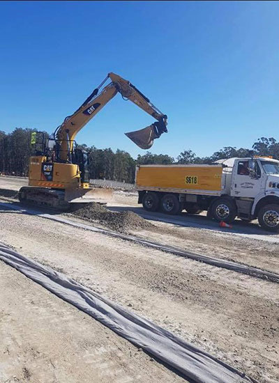 Advanced-Plant-Hire-Tipper-and-Excavator-Kempsey