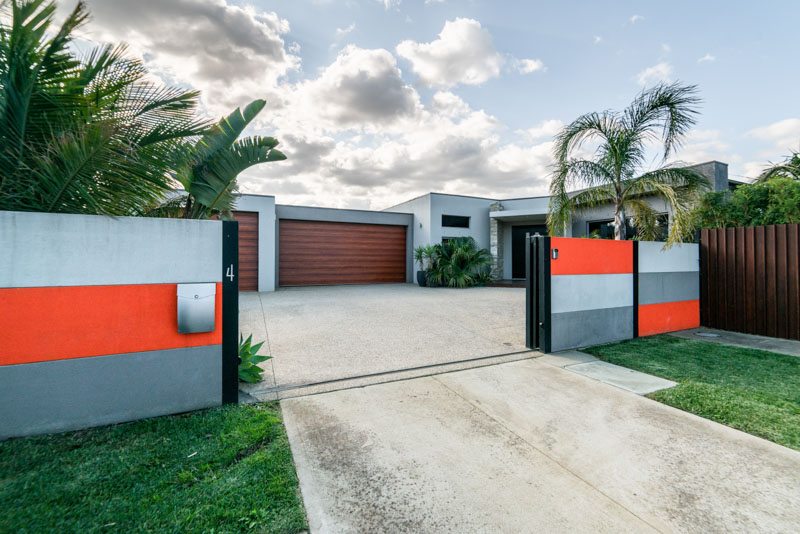 Modern front yard with electric gate