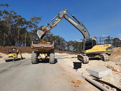 Armpell-Civil-Volvo-21T-Excavator-bulk-earthworks-Batemans-Bay