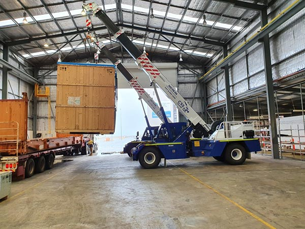 CSS-Crane-Hire-NMT-Global-Logistics-at-the-Australian-Marine-Complex-in-Henderson-4-WA
