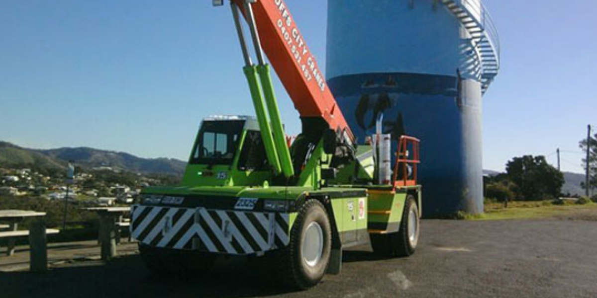 MAC25/28T Franna Hire w/ Superlift Coffs Harbour