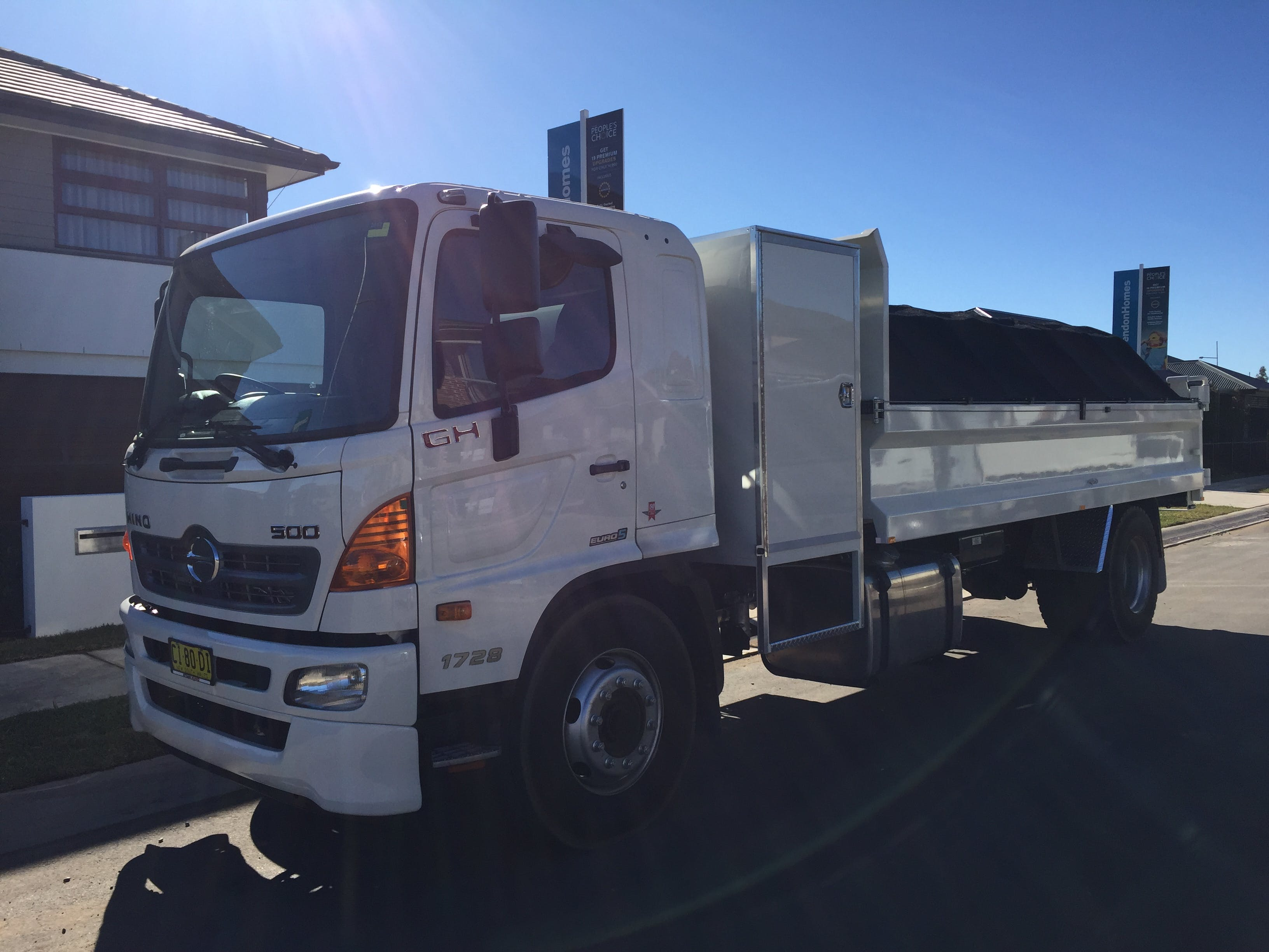 DJK Excavations - 10 tonne tipper hire Sydney