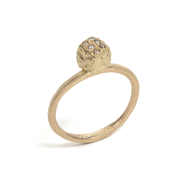 Tessa Blazey | White diamonds & 18ct yellow gold | Unique handmade engagement ring | Melbourne | custom ring