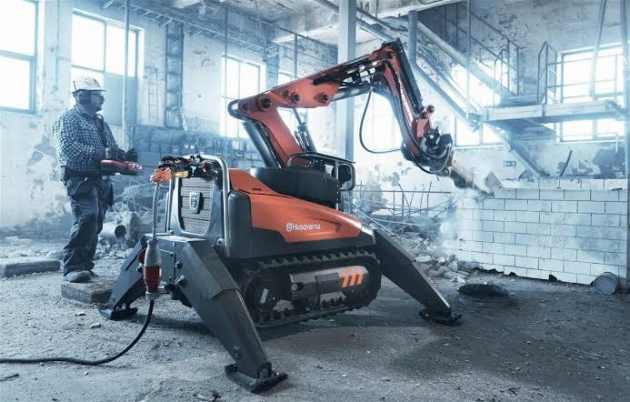 Industry West Brokk Robot