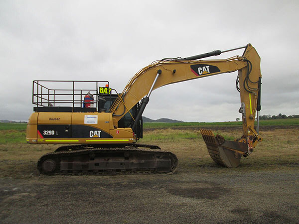 CATERPILLAR 329D EXCAVATOR FOR HIRE
