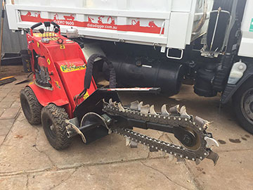 Dial-A-Digger-kanga-trencher-attachment