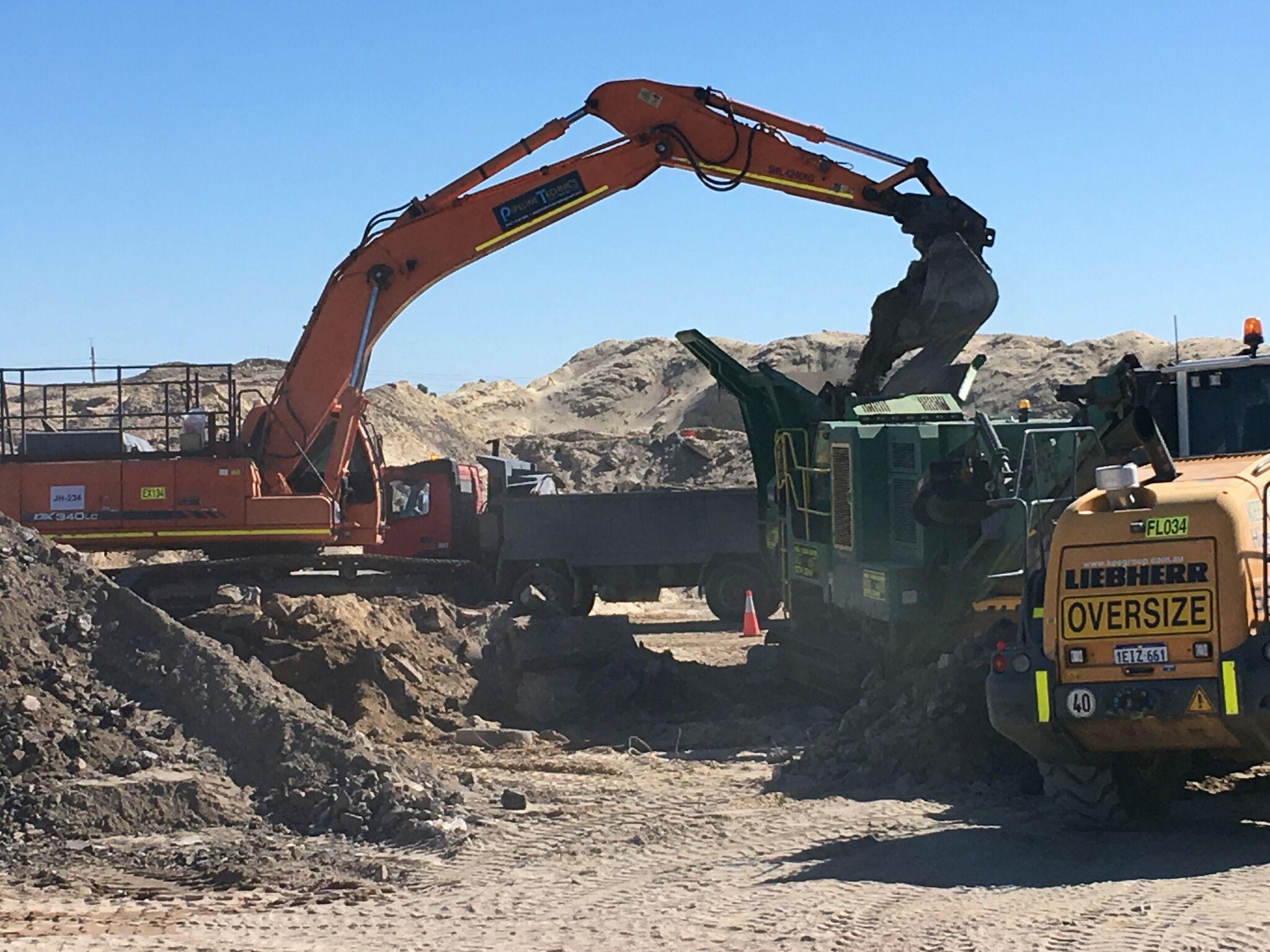 Doosan DX340 LC Excavator