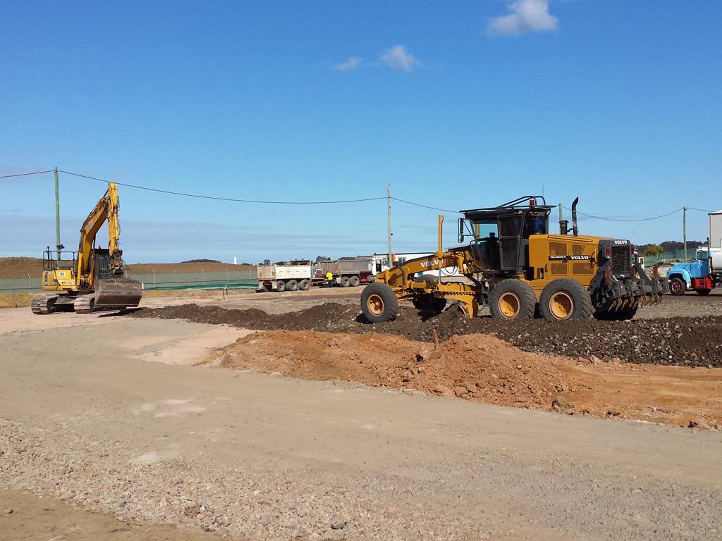 Earthmoving Excavator Grader