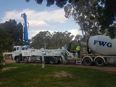 FWG-Contracting-Operator-On-Site-Concrete-Boom-Pump-Hire-Mildura
