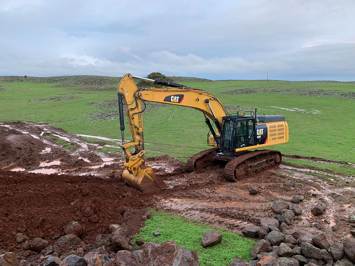 Fletcher-Bros-Solutions-excavator-dual-Earthwork-Contracting-Melbourne