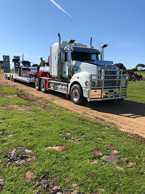 Fletcher-Bros-Solutions-truck-float-transport-Heavy-Haulage-Melbourne