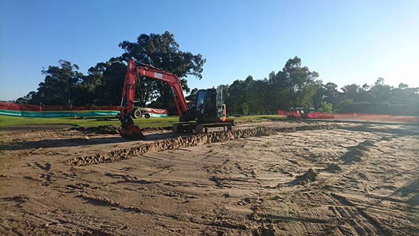 Golf-Spectrum-golf-course-building-consultation-brisbane-orange-excavator-excavating-landscaping-earth