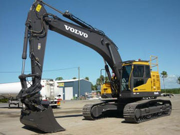 Haber-Xcavations-Mackay-Caterpillar-excavator