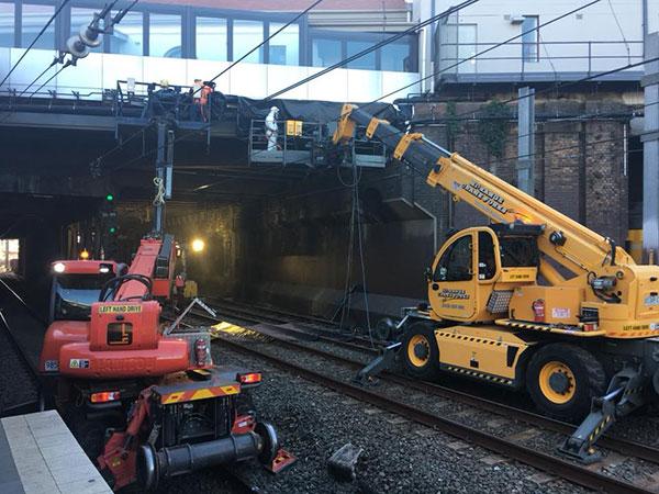Hi-Range-Crane-Hire-Hi-Rail-Crane-MRT-2150-Pegasus-4025-hi-rail-ewp-hire-campbelltown
