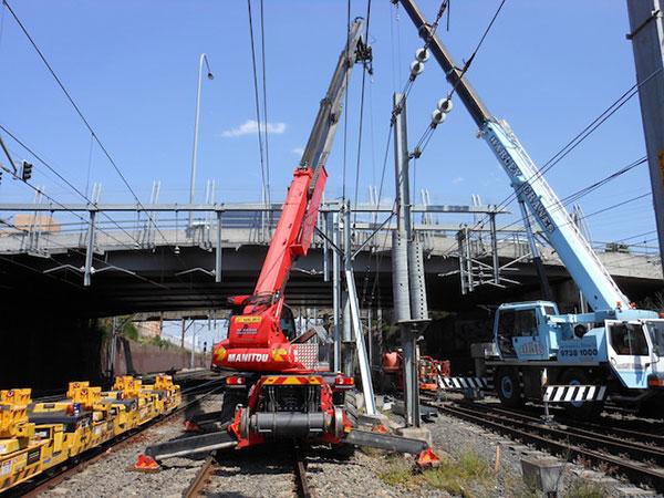 Hi-Range-Crane-Hire-Hi-Rail-Crane-structure-install-telehandler-hire-Campbelltown