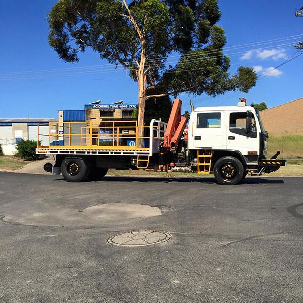 Hi-Range-Crane-Hire-Hi-Rail-Truck-Isuzu-hi-rail-truck-hire-campbelltown