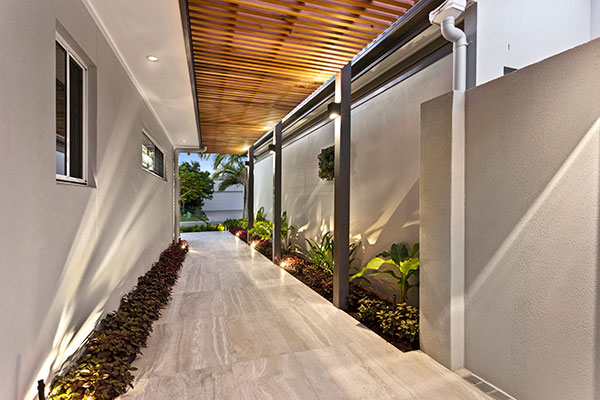 Hoys-Hardscapes-side-wall-pathway-7