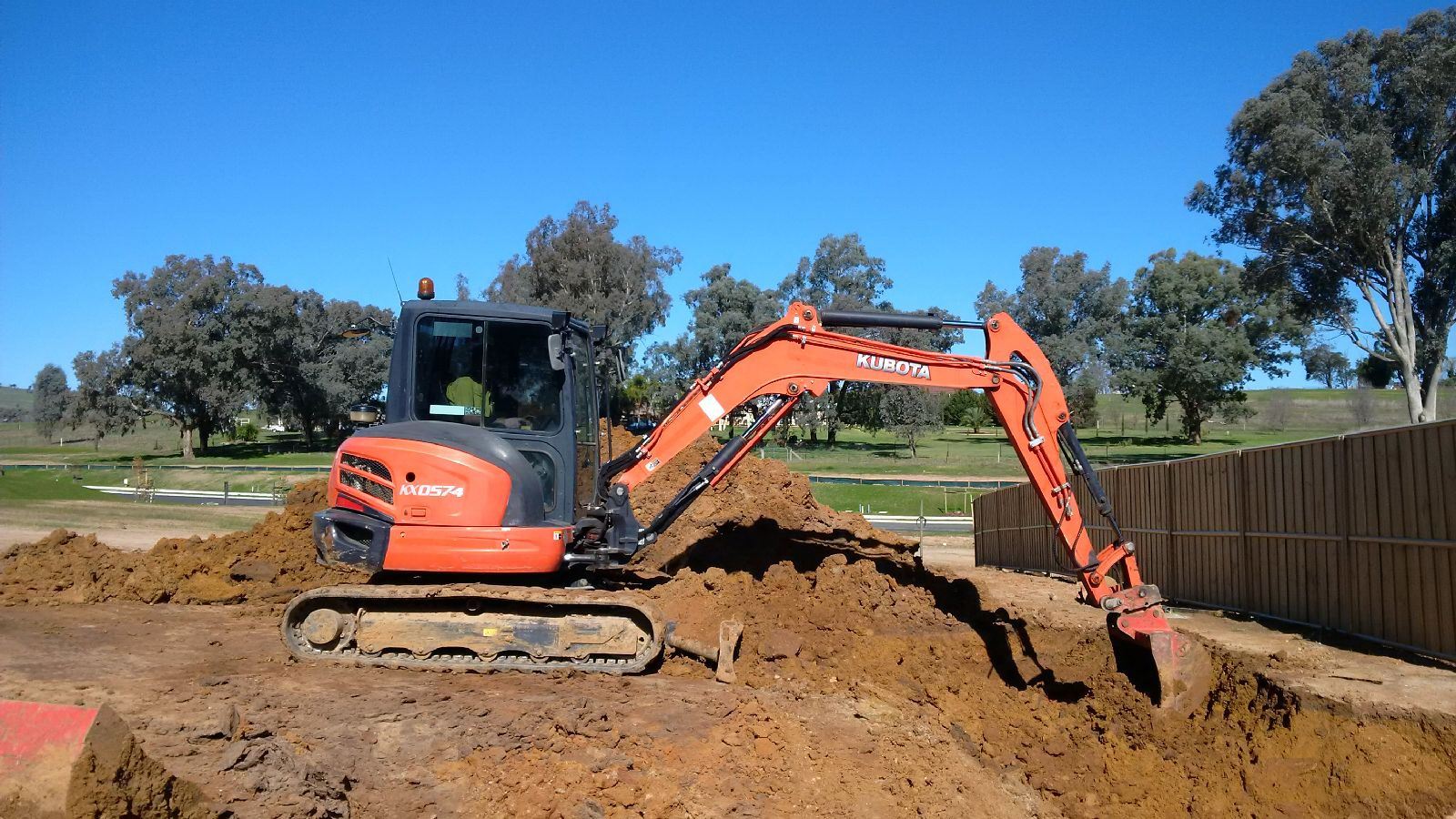 Hume Hire large excavator