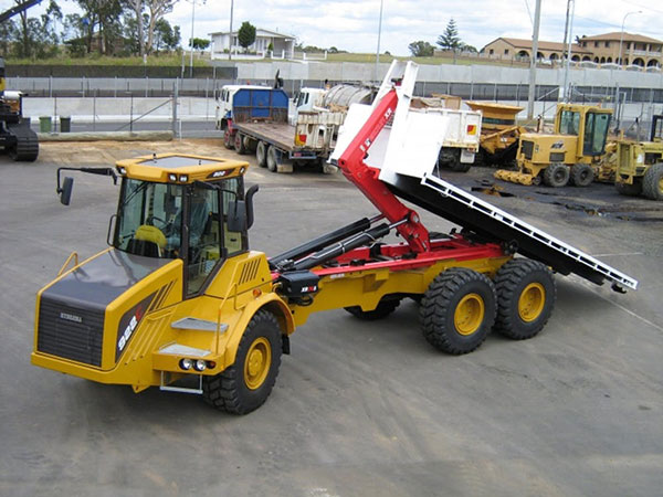 Morooka Rental Hydrema 922 hooklift with flat tray truck for hire Toowoomba