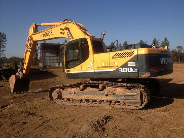 Hyundai 30t Excavator Hire Drayton