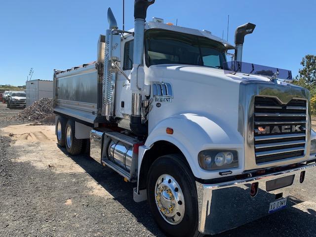 Ausquip-tipper-truck-hire-gold-coast
