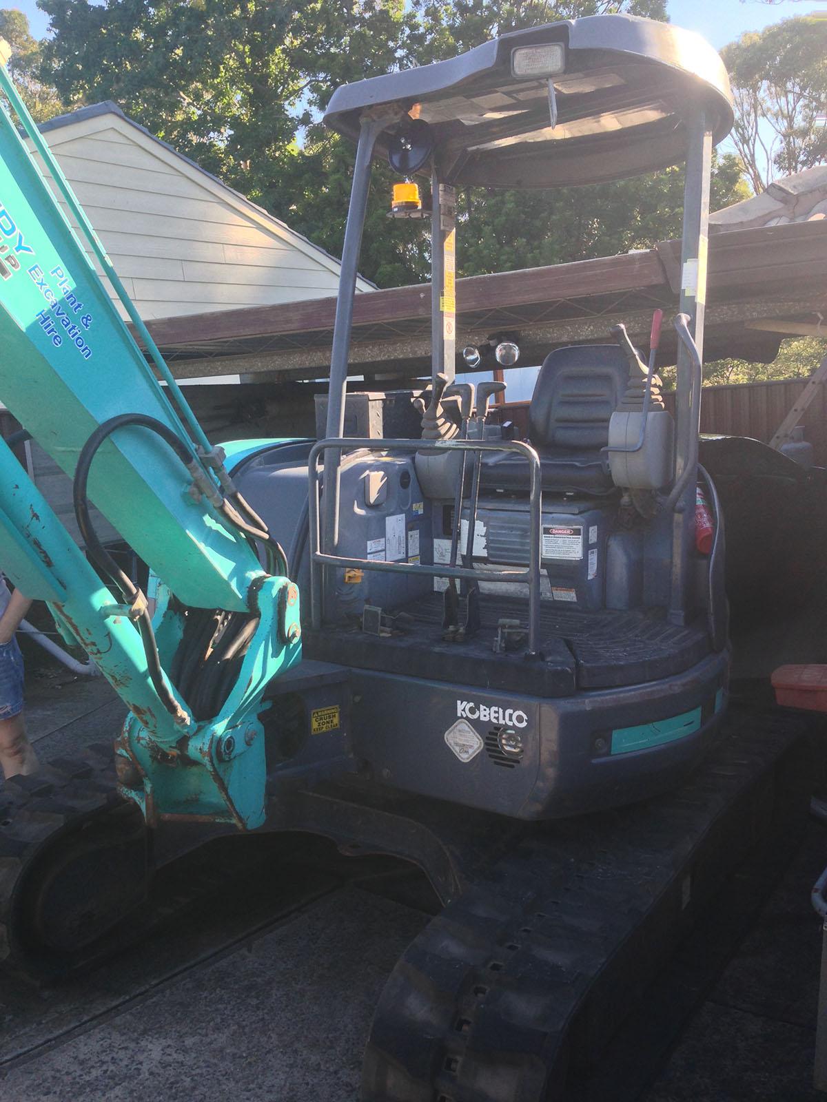 Kennedy Hire - excavator 4