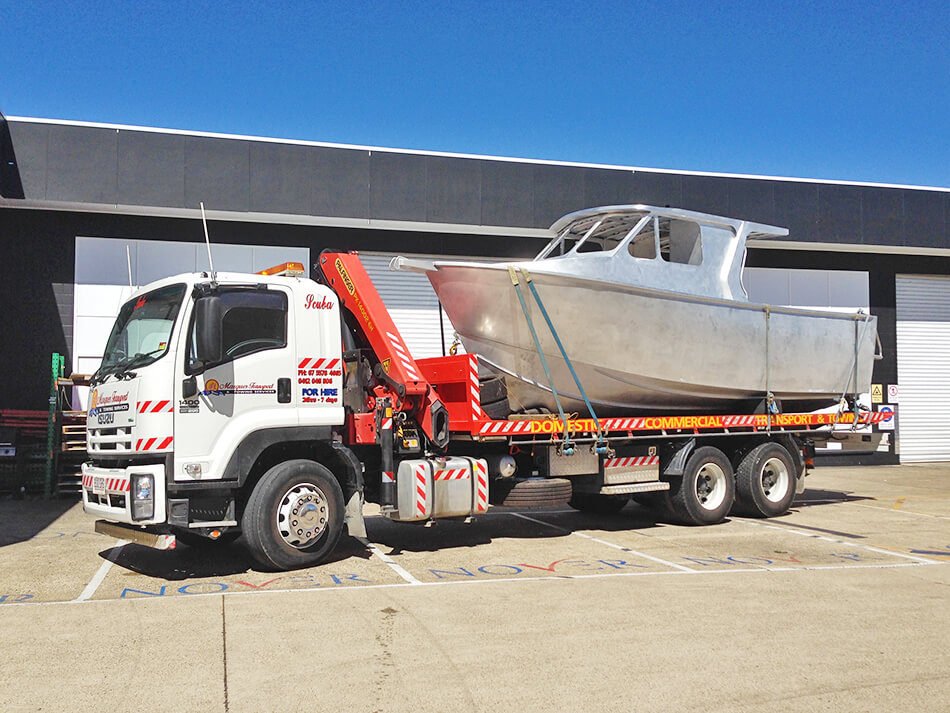 crane-truck-hire-gold-coast-scuba