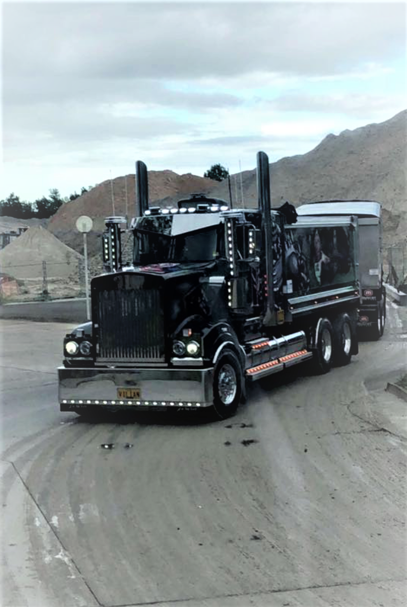 Load and Go road mack truck