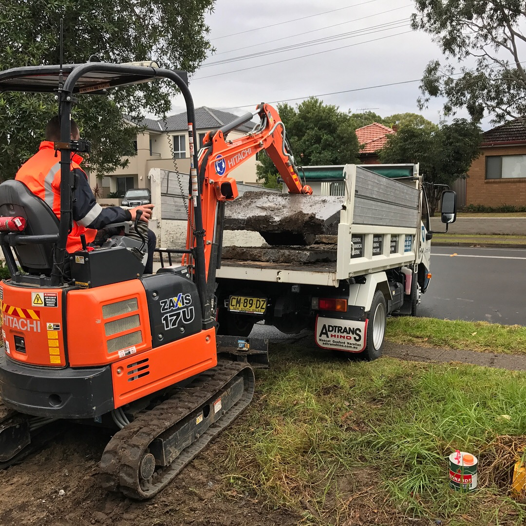 Comply Civil - Mini Excavator hire 5