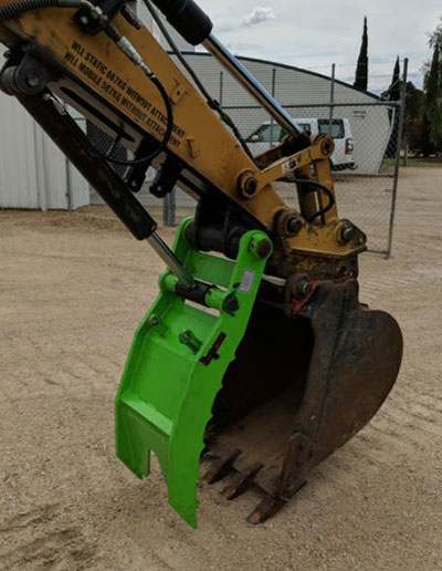 Impact-Construction-Equipment-Thumb-Bucket-Hire-Melbourne-28