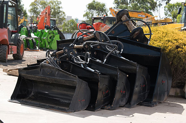 Impact-Construction-Equipment-Melton-Shoot-Excavator-Bucket-attachment-sales-melbourne