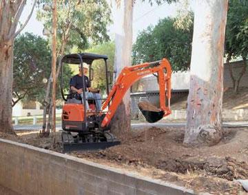 Bobcat-truck-combo-hire-U17-3